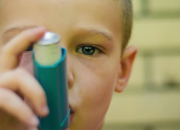 A child with asthma has a greater risk of obesity than other kid without the chronic respiratory condition, a new study.