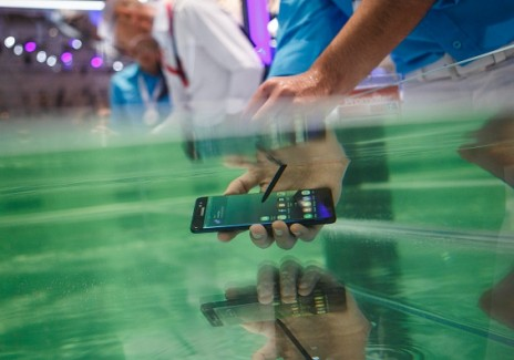 Why Waterproof Smartphones Will Be Even Better Next Year