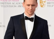 Famous actor Tom Hiddleston defends Taylor Swift with heartwarming statements.