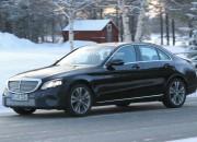 Mercedes-Benz C-Class receives a minor facelift for 2018.