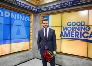 Tonight will brings 2017 season finale of ABC's The Bachelor with Nick Viall and as he will decide between Vanessa Grimaldi and Raven Gates for his final rose.