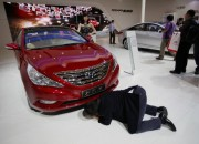 Starting April 7, Hyundai will begin to recall a total of 977,779 Sonata sedans and Sonata hybrid vehicles in the US. These are vehicles whose seat belts were faulty as a result of assembly errors. The affected vehicles will be fixed free of charge at Hyundai dealership centers.