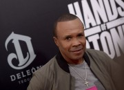 Boxing legend Sugar Ray Leonard is heavily favoring Floyd Mayweather, Jr. against UFC star Conor McGregor, saying that McGregor would be knocked out in the very first round of their upcoming super fight.
