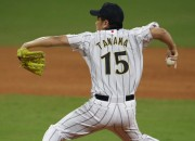 Early results of the MLB 2017 opening day are now out. It seems that Yankees surrendered their game to the Rays with Tanaka unable to use his pitching skills effectively during the match.