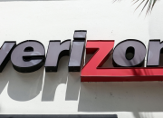 From the beginning of the year until the unlimited plan was unveiled on Feb. 12, Verizon lost a net 398,000 regular monthly phone customers, by far the most it had ever lost in an entire quarter.
