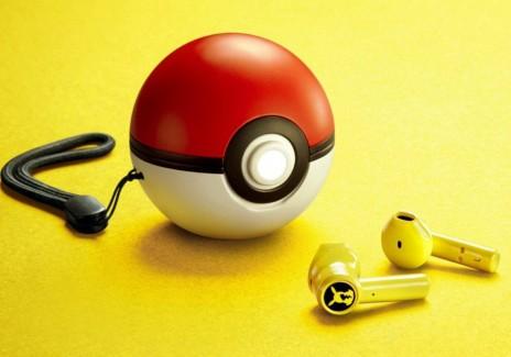 Pikachu-themed Razer Earbuds