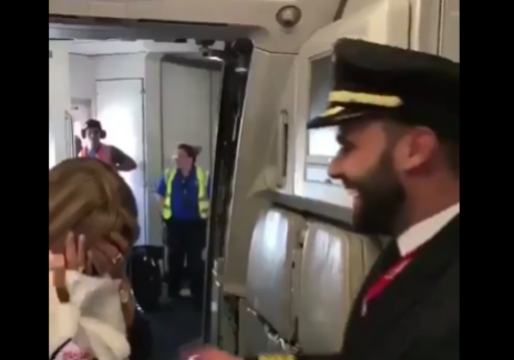 [Viral Video] Mother Bursts Into Tears After Finding Out Her Son is the Pilot of the Plane She Boarded