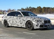 The engineers of the new generation 2021 BMW M3 and M4 did not make it any easier when they also brought an F82 M4 to the track for the prototype test drive of the new M brothers.