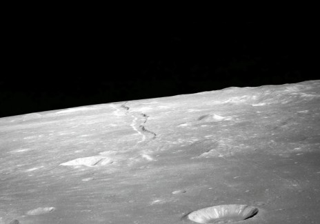 Gather Moon Rocks: NASA willing to Pay Private Companies